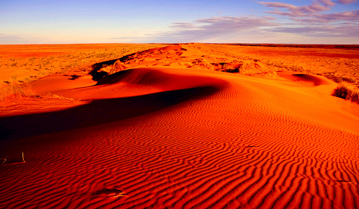 100-Things-To-Do-Before-You-Die-32-Big-Red-Simpson-Desert-Featured-Image