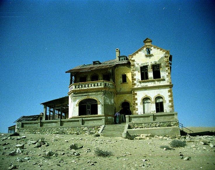 Kolmansko House