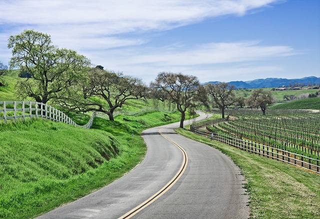 Scenic byways in the winre country, Credit-.lifecycleadventures.com