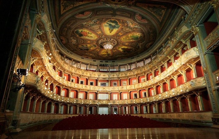 Teatro Colon, Credit-colourbox.com