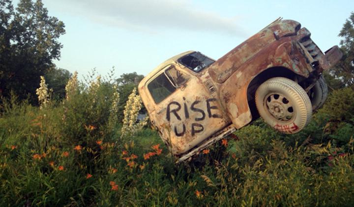 Folk Art Anarchy: Ron Lessman's Truckhenge | Uncharted101.com