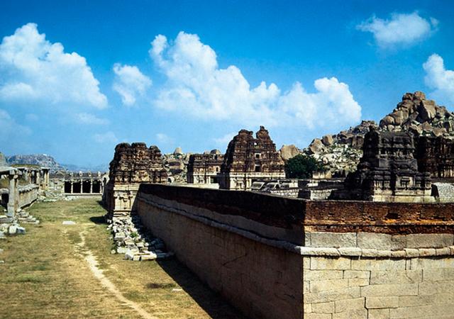 Hampi Karnataka, credit-Bachellier Christian, flickr