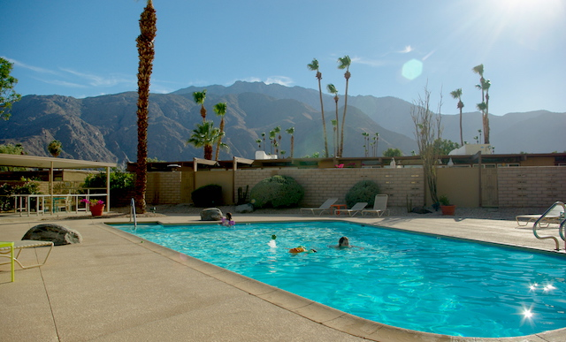Vue of the mountains from the pool