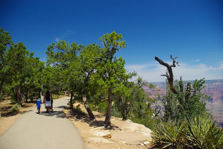 Grand canyon rim walk