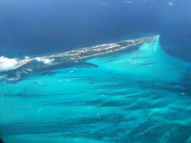 Isla_Mujeres_aerial_view