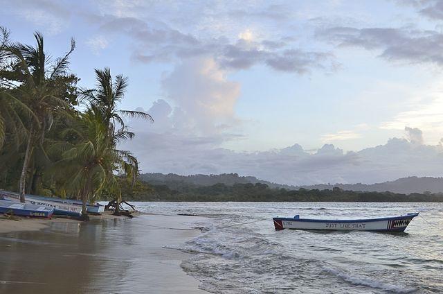 Puerto_Viejo_de_Talamanca,_Costa_Rica