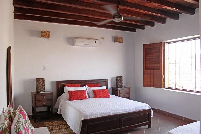 Casa Amarilla Hotel room
