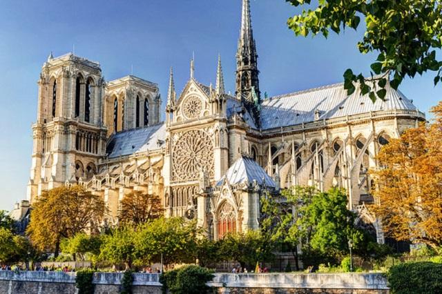 Notre Dame de Paris, Credit-planetware.com