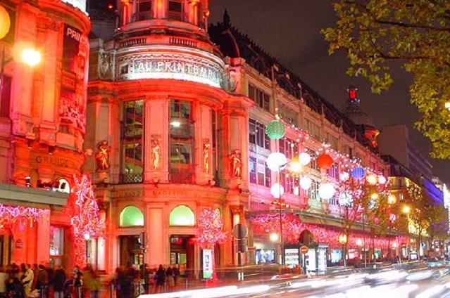 boulevard haussmann shopping, Credit-bloomberg.com