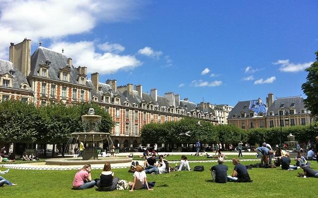 Place des Vosgues, Credit-mikestravelguide.com