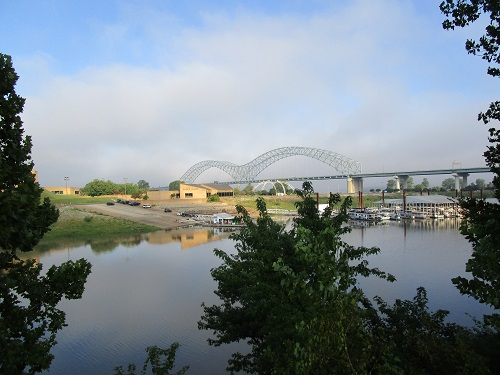 From the Visitors Center, you can see across to Mud Island and, beyond, a bridge over the Mississippi River