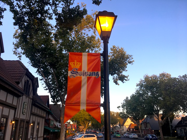 solvang-lamppost