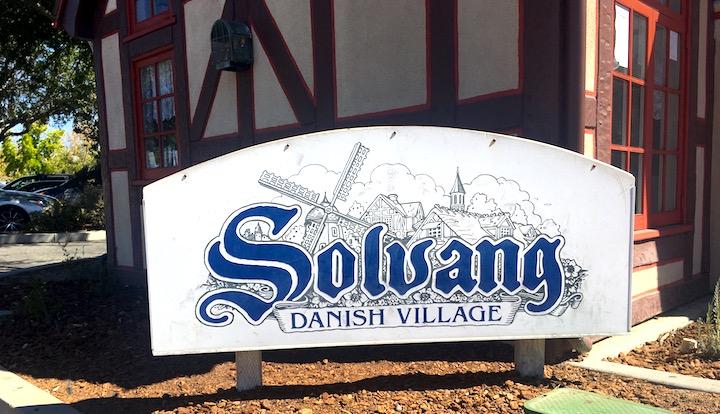 solvang-sign