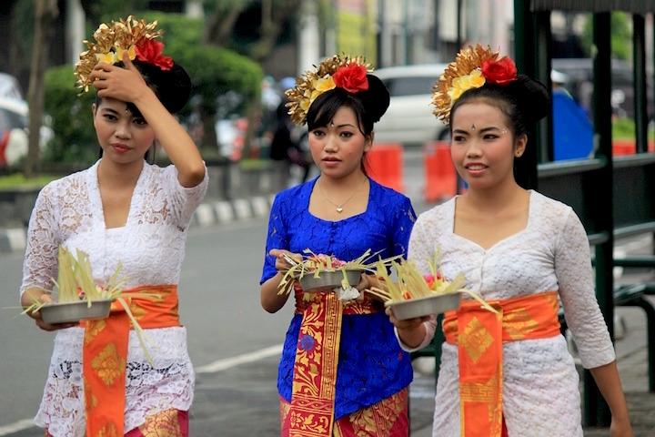 tradition-819573_960_720